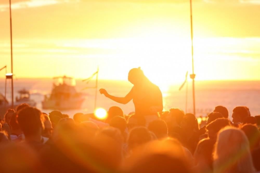 corona_sunsets_festival_perth_jam_hassan-9-e1453421946736-1000x667